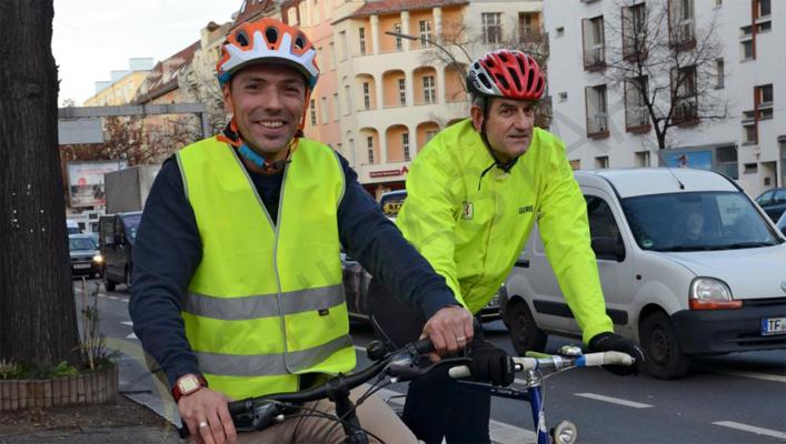 cyclist reflective vest