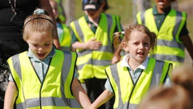Reflective-vests-for-students