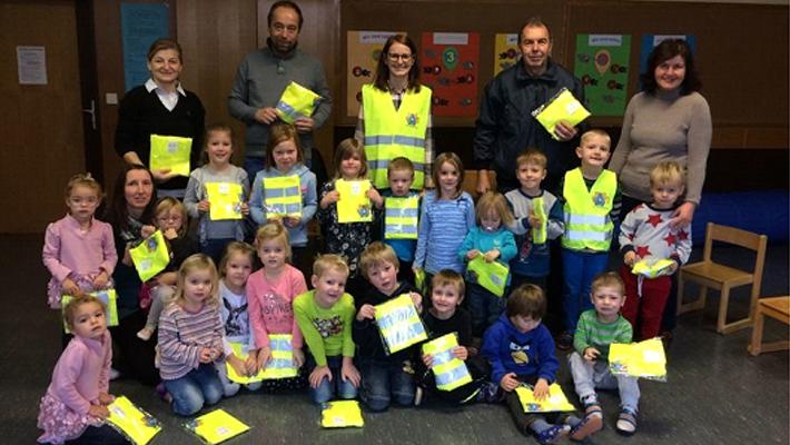 reflective-vest-for-kindergarten